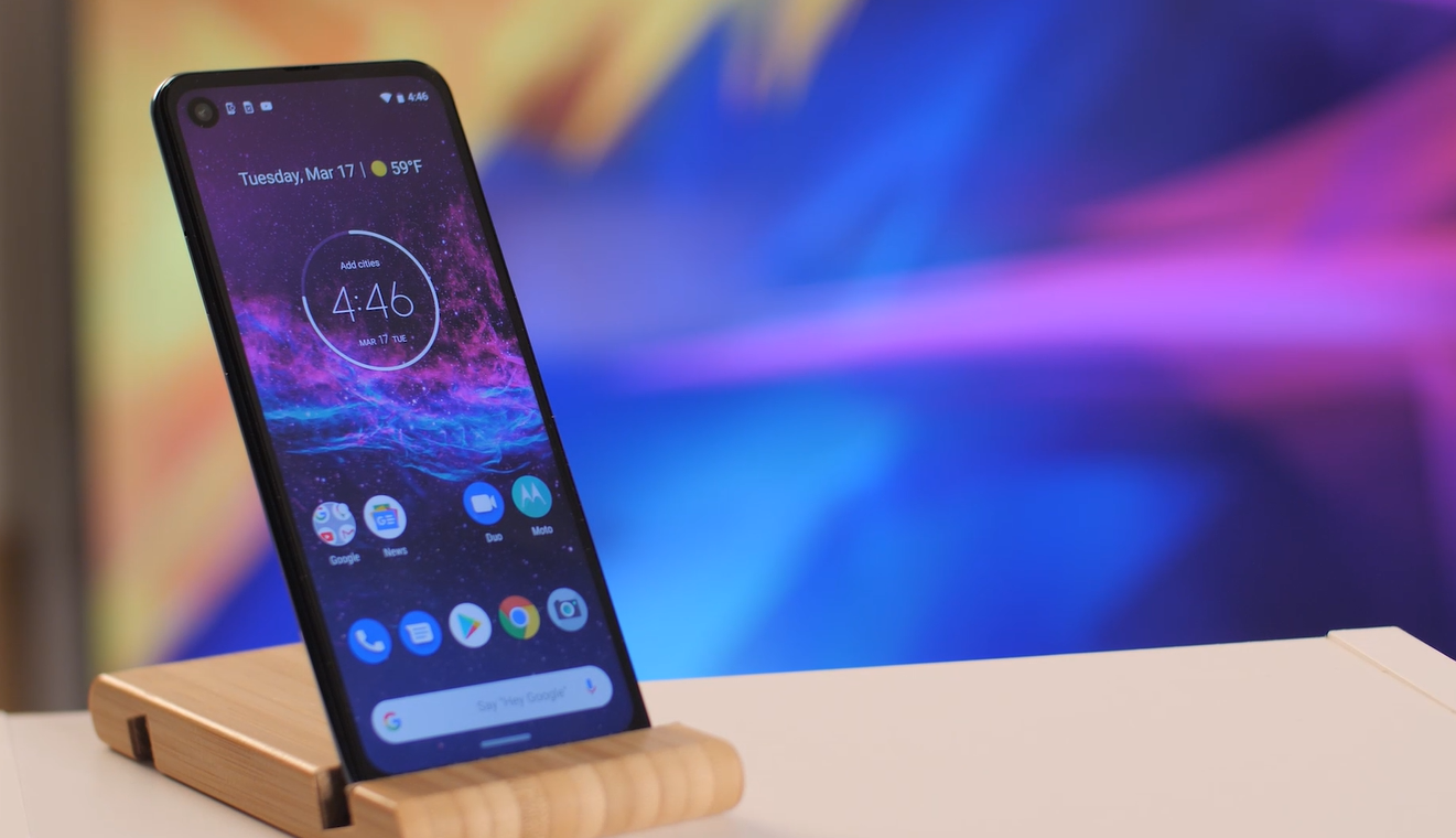Motorola One Action review design